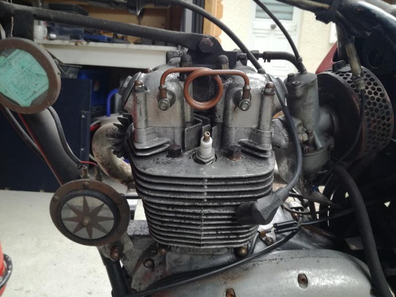 Triumph TR25 W dans son jus ! Img_2015