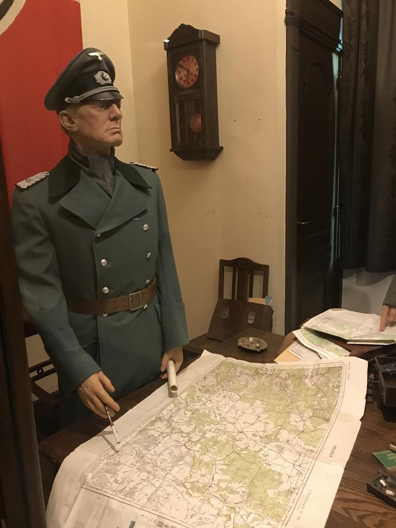 """101st Airborne Museum dit """" Le Mess ( Bastogne / Belgique ) Img_1111"""