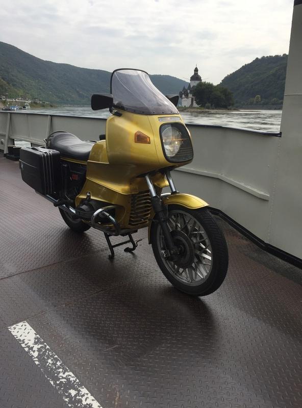 Photos de vous et de votre moto devant ....un château  - Page 15 Img_2312