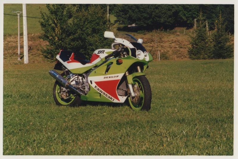 Moto,une de mes anciennes . 400_zx10
