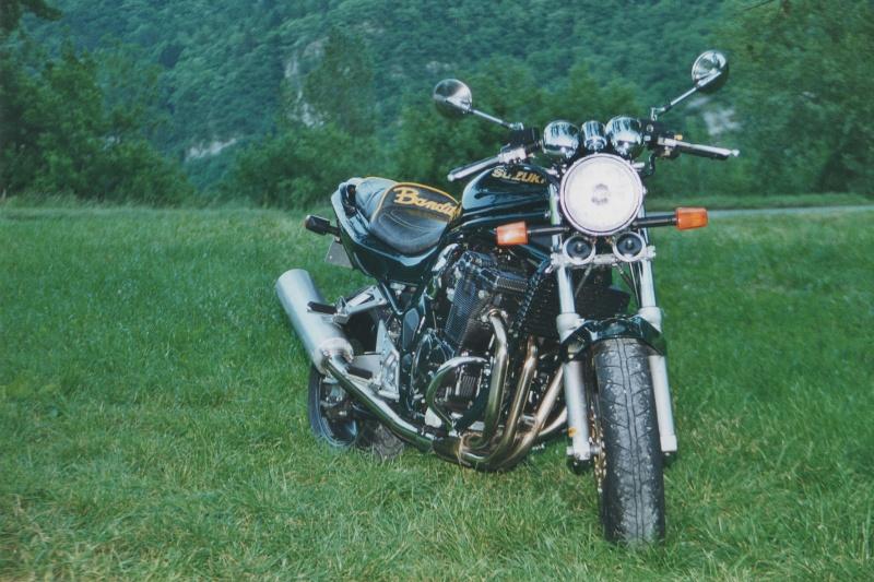 Moto,une de mes anciennes . Bandit10