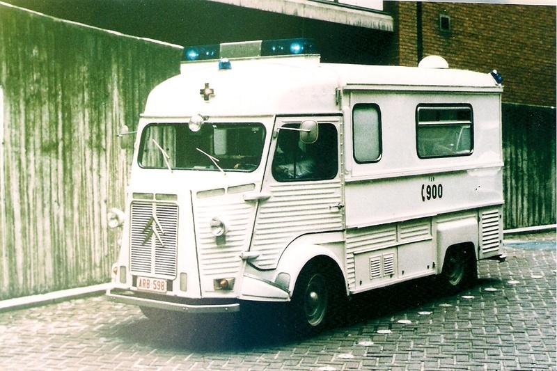 """Citroën type H """"Ambulance Agglomération de Bruxelles"""" 4836e610"""