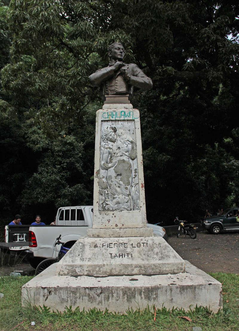 [Papeete] PAPEETE HIER ET AUJOURD'HUI - Page 6 Statue10