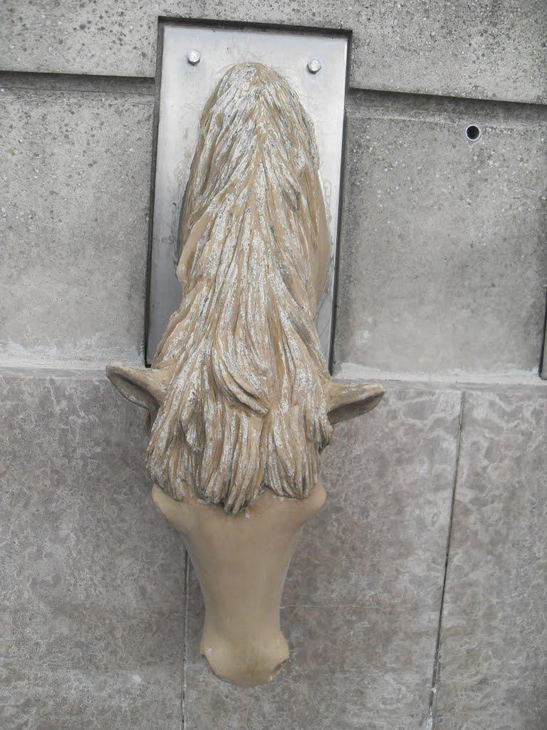 STREET VIEW : Les statues d'animaux dans le monde - Page 4 11458310
