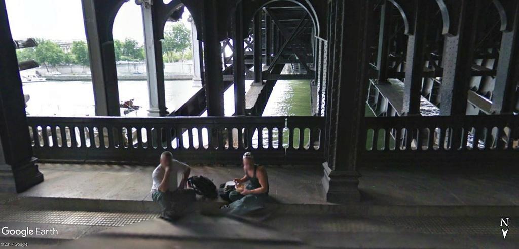 Street View : Sous les ponts de Paris. Bon_ap10