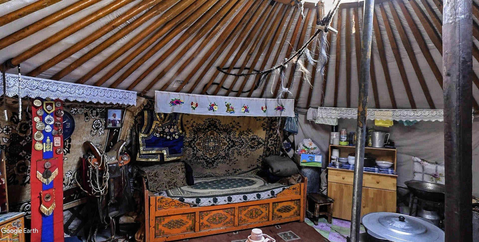 Yourtes en Mongolie Emchii18