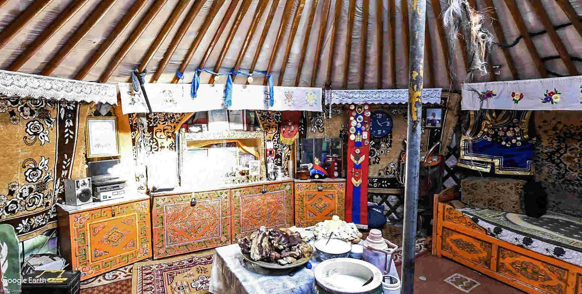 Yourtes en Mongolie Emchii19
