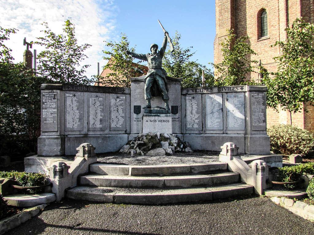 40 000 monuments pour 1 350 000 morts pendant la guerre de 14-18 [sujet collaboratif : on a besoin de vous !] - Page 4 Img_1214
