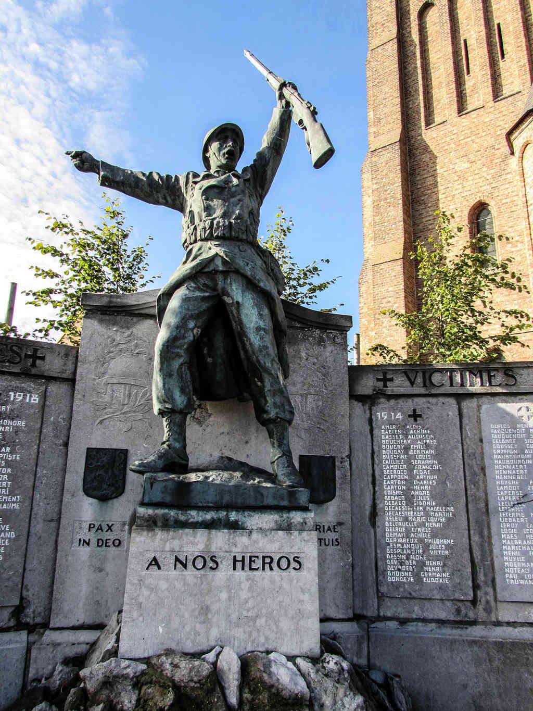 40 000 monuments pour 1 350 000 morts pendant la guerre de 14-18 [sujet collaboratif : on a besoin de vous !] - Page 4 Img_1215