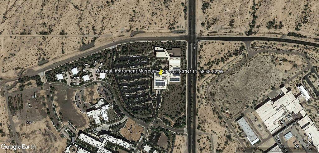 Le plus grand musée d'instruments de musique au monde ( Musical Instrument Museum) à Phoenix en Arizona aux USA. Musye_10