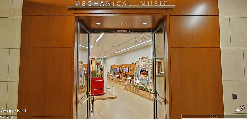 Le plus grand musée d'instruments de musique au monde ( Musical Instrument Museum) à Phoenix en Arizona aux USA. Musye_11
