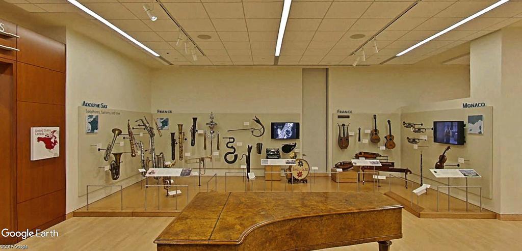 Le plus grand musée d'instruments de musique au monde ( Musical Instrument Museum) à Phoenix en Arizona aux USA. Musye_18