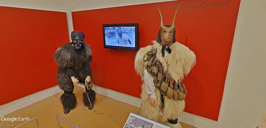 Le plus grand musée d'instruments de musique au monde ( Musical Instrument Museum) à Phoenix en Arizona aux USA. Musye_31