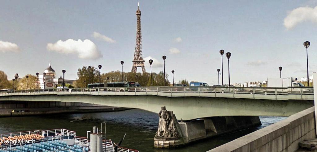 Street View : Sous les ponts de Paris. Pont_d10