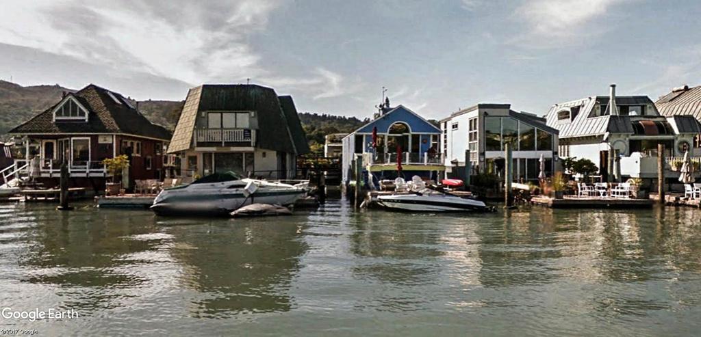 Les Houseboats à Sausalito en Californie aux États-Unis. Sausal15