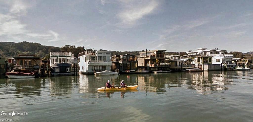 Les Houseboats à Sausalito en Californie aux États-Unis. Sausal16