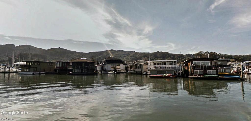 Les Houseboats à Sausalito en Californie aux États-Unis. Sausal18