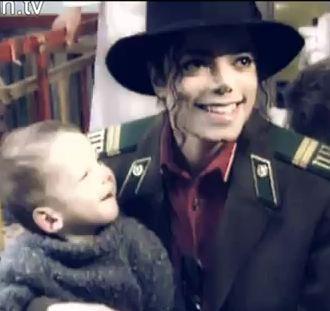 Il sorriso di Michael - Pagina 31 1993in10