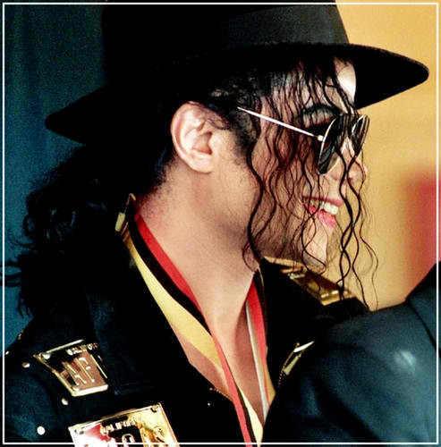 Il sorriso di Michael - Pagina 31 2vv97410