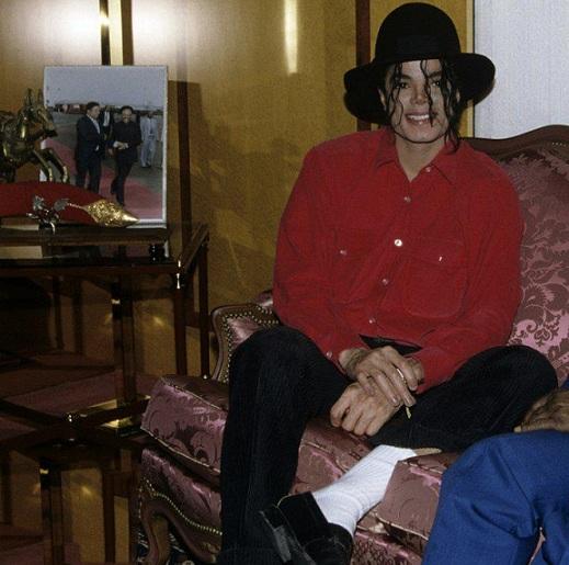 Il sorriso di Michael - Pagina 31 Bgv10