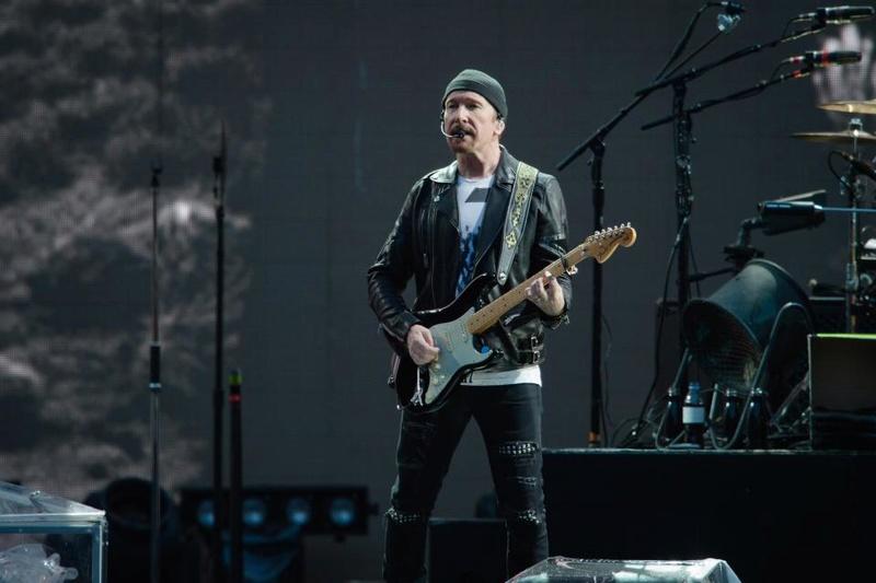 U2   - Page 19 Nintch15