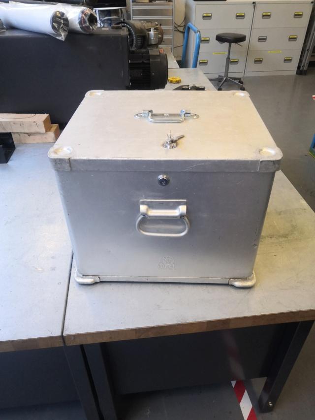 Boîte métal  Img_2030