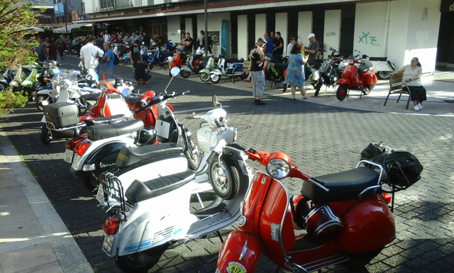 Customizadas vs Vespas y Lambrettas 17-6-2017 05612