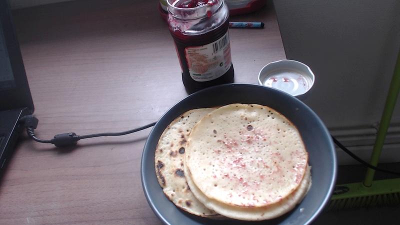 Soupe aux fraises avec muffins aux cornichons  - Page 2 Pictur10