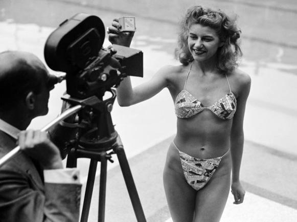 Bonjour/bonsoir de Juillet    Bikini11