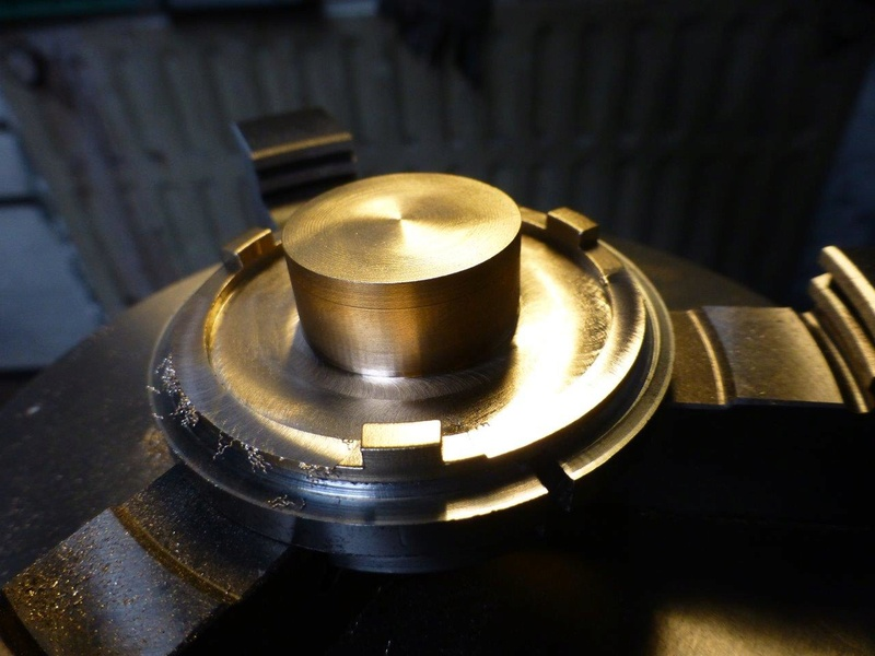 carburateur - CHAPEAU DE CUVE CARBURATEUR MILLOT T14 n° : 2 de 1922 P1040726