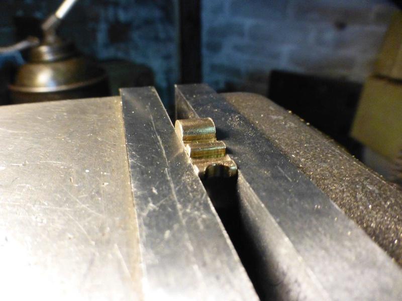 carburateur - CHAPEAU DE CUVE CARBURATEUR MILLOT T14 n° : 2 de 1922 P1040738