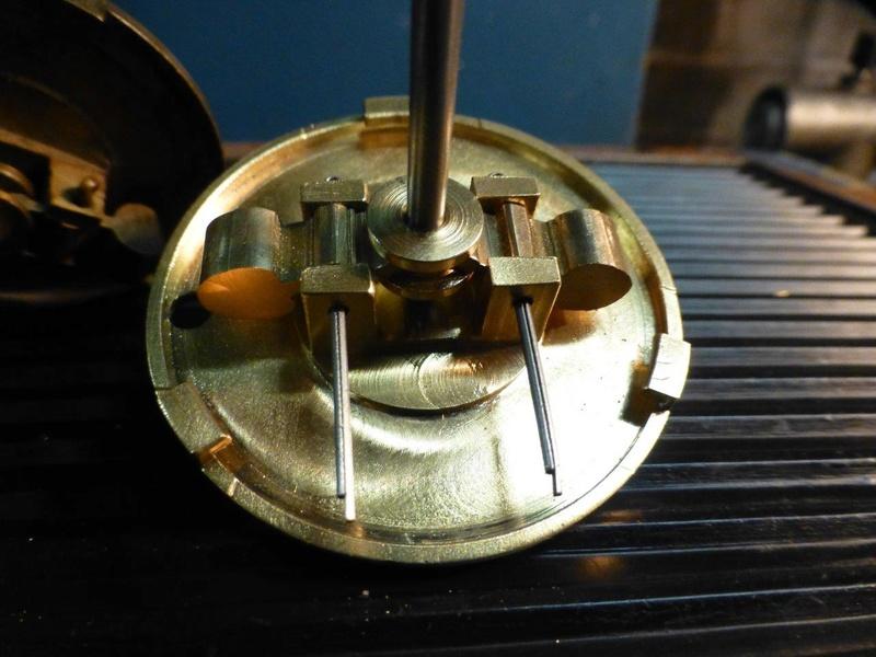 carburateur - CHAPEAU DE CUVE CARBURATEUR MILLOT T14 n° : 2 de 1922 P1040744