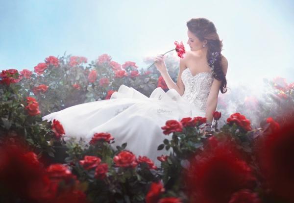 Disney se lance dans la robe de mariée - Page 5 Alfred12