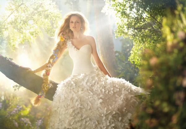 Disney se lance dans la robe de mariée - Page 5 Alfred15