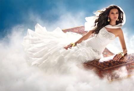 Disney se lance dans la robe de mariée - Page 5 Jasmin10