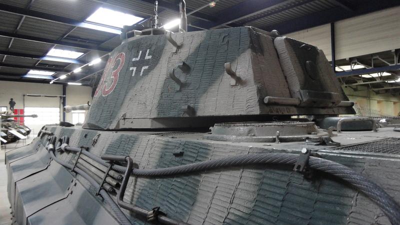 tiger - king tiger Ausf b de chez ZVEZDA  Dsc04521
