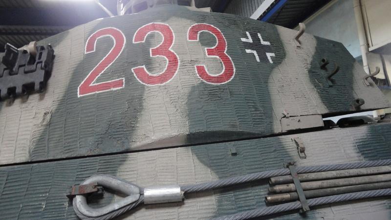 tiger - king tiger Ausf b de chez ZVEZDA  Dsc04523