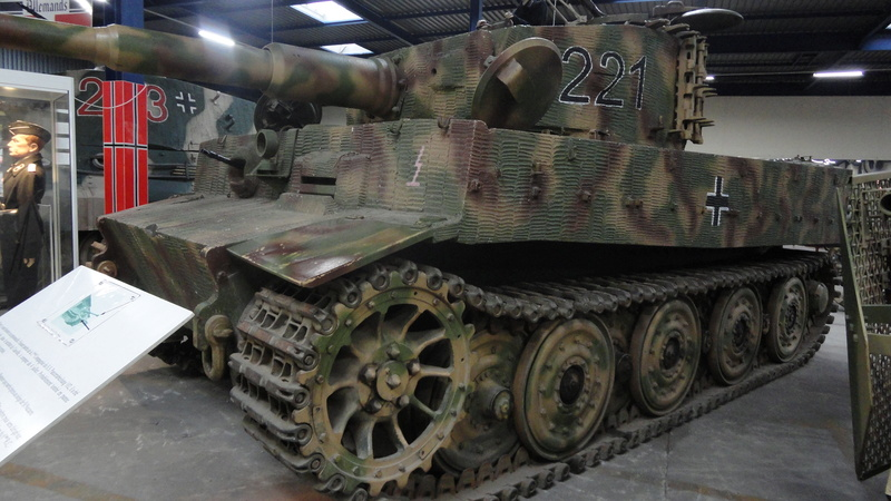 Tiger II, essais cam fin de conflit Visite71