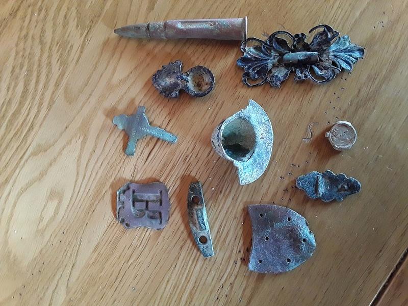 Objet métallique divers poubelle GB  20170813