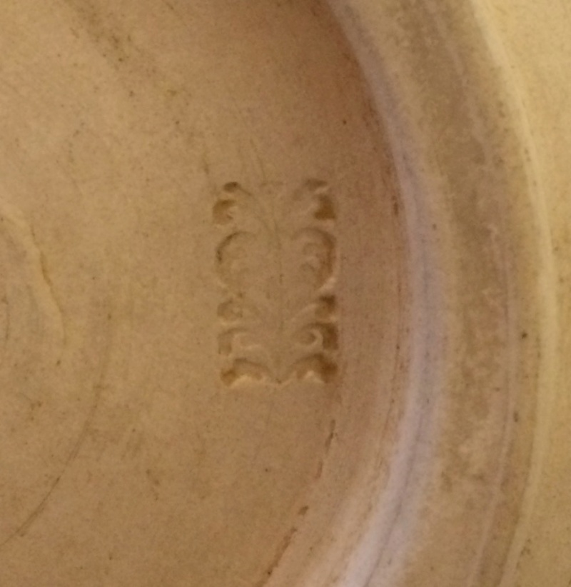 Bird bowl; floral or heart mark Img_2612