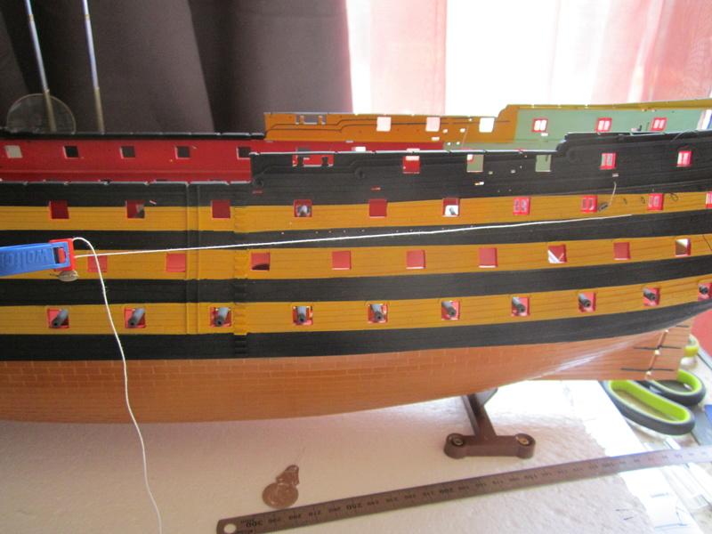HMS Victory 1/100 Heller - Page 3 Img_1029