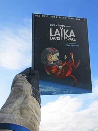 [Littérature Jeunesse] Laïka dans l'espace par Patrick Baudry et illustré par Stan Aghassian Img_0410