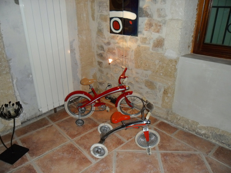 Tricycle rouge années 60 Sam_4510