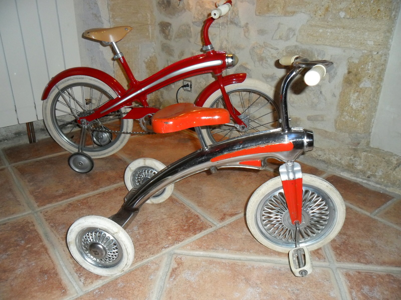 Tricycle rouge années 60 Sam_4511