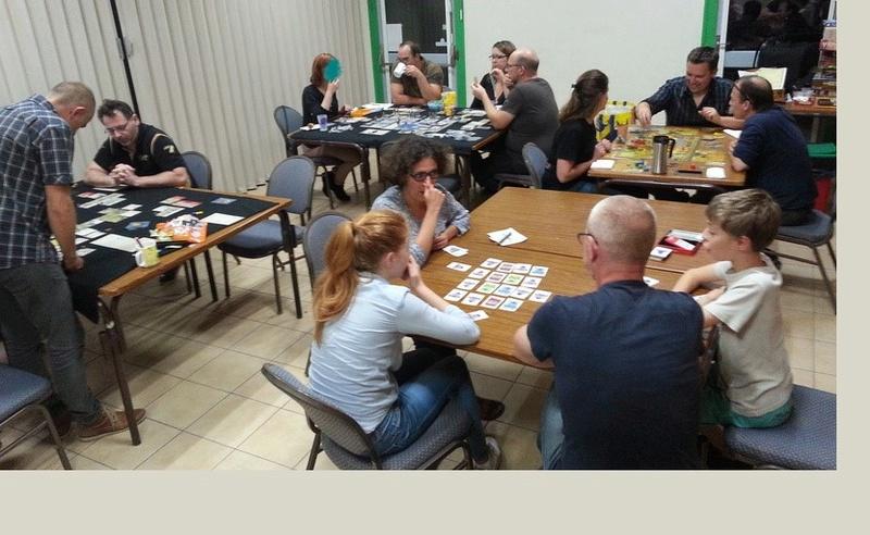 18 août : Notre soirée hebdomadaire - Page 2 Revu2011