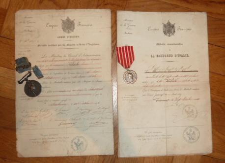 Ordres, médailles, insignes, Ritterkreuzträger, Naginatas, 17ème Hussard de Braunschweig, Mein Kampf, Fahrtenmesser HJ, croix de fer, insignes régimentaires...... P1530309