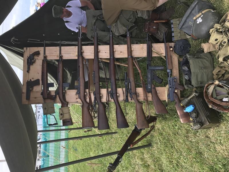 Militaria à Oshkosh  Img_0416