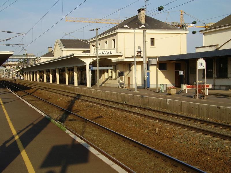 Gare de Laval (PK 300,1) 82037310