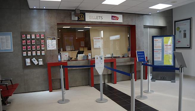 Gare de Sablé-sur-Sarthe (PK 258,9) Gare-v11