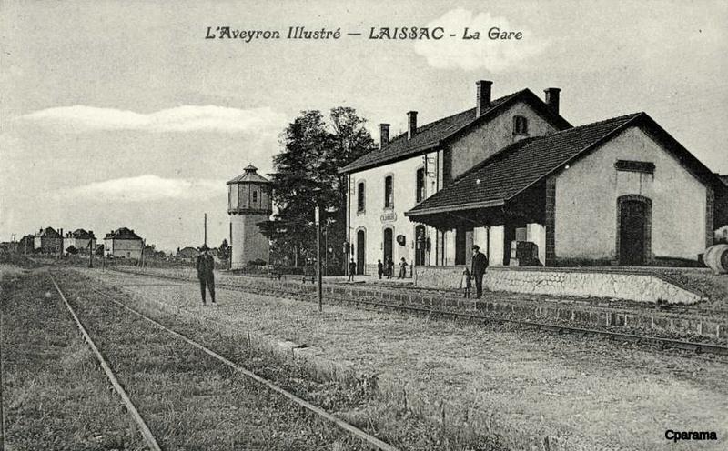 Pk 601,1 : Gare de Laissac (12) Laissa10